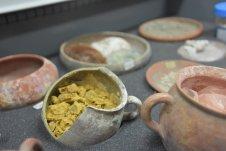 Pompeii-pigment-jar-det